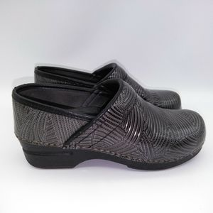 Dansko XL Nursing Clogs 7 gray leather slip